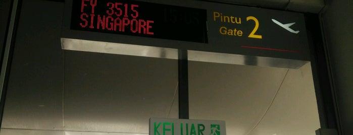 Balai Berlepas Antarabangsa Skypark is one of Airp0rts.