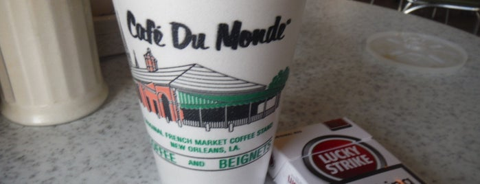 Café du Monde is one of Paris.