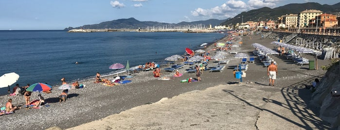 Spiaggia libera di Lavagna is one of Beach.