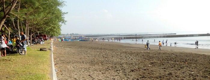 Pantai Teluk Penyu is one of Wisata Jateng DIY.