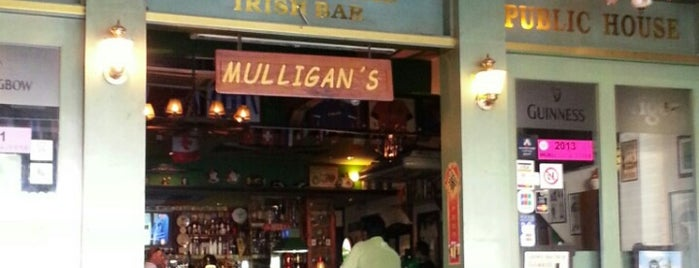 Mulligan's Irish Pub is one of Clubs.