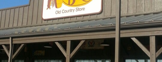 Cracker Barrel Old Country Store is one of Dan's Places.