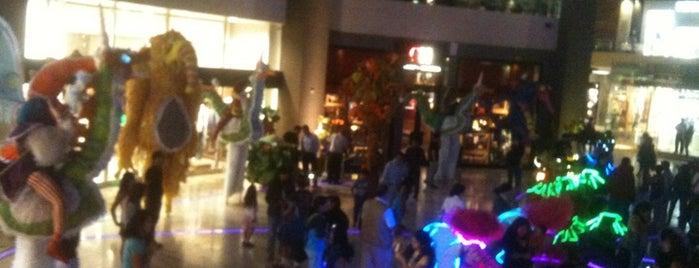 "Jockey Plaza is one of Shopping ""Info llama""."