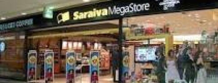 Livraria Saraiva is one of Lugares que vou sempre..