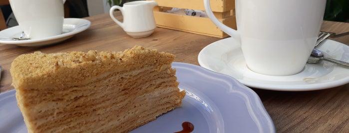 Loccake Cafe Patisserie is one of alsancak.