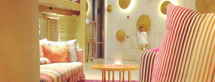 Symphony Style Hotel is one of Getaway | Hotel.