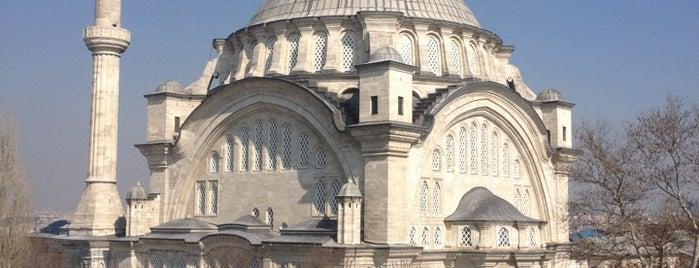 Nuruosmaniye Camii is one of İstanbul.