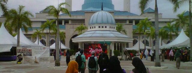 Masjid Sultan Haji Ahmad Shah is one of Mosque.