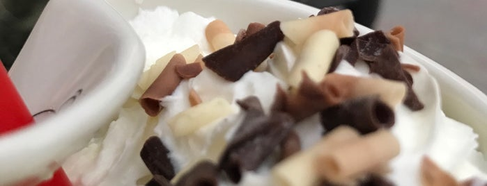 Sam Brown Chocolate Cafe Bar is one of alsancak.