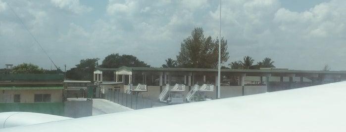 Aeropuerto Frank Pais (HOG) is one of Kuba.
