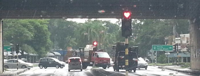 Traffic Light Sri Petaling is one of enday.
