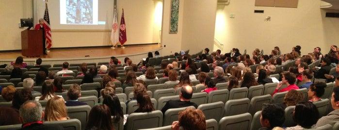 College of General Studies is one of Boston University.