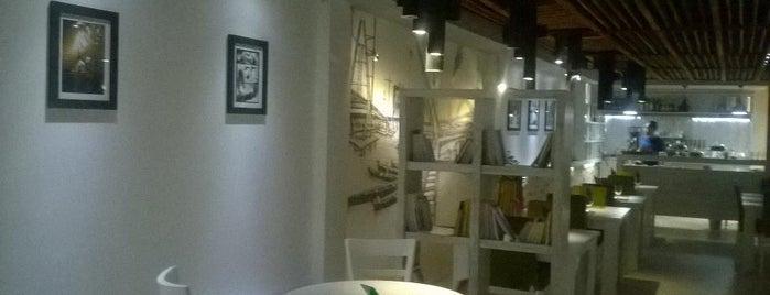 Leo Restaurant & Café | كافه رستوران لئو is one of Café Ahvaz.