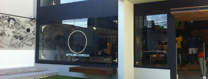 Nike 1994 is one of Lugares que recomendo - SP.
