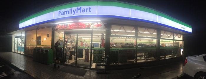 ファミリーマート 金沢伏見新町店 is one of 電源 コンセント スポット.