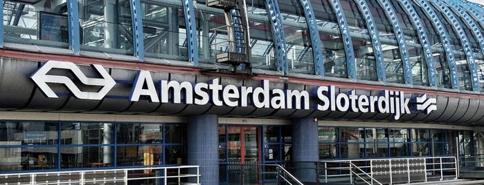 Amsterdam Sloterdijk Station is one of Public transport NL.