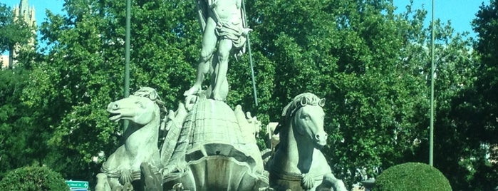 Fuente de Neptuno is one of Madrid.