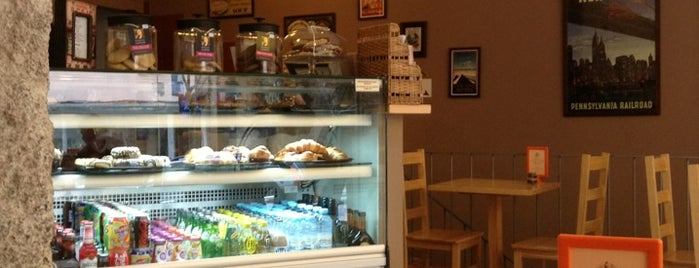 The Traveller Caffé is one of Snack.