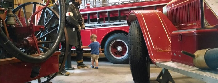 Dallas Fire Fighters Museum is one of Not-so-Usual Things to Do.