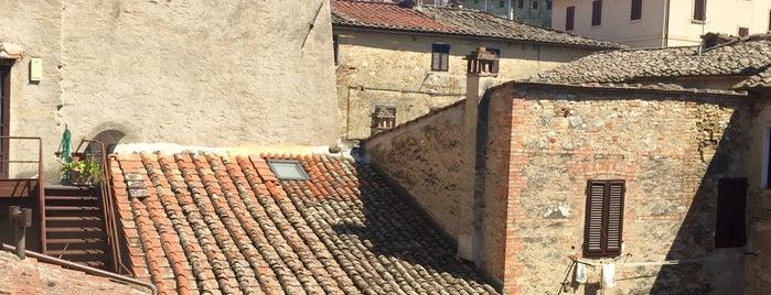 le undici lune is one of San Gimignano.
