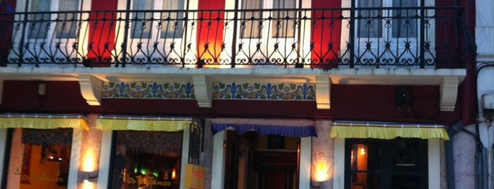 Os Tibetanos is one of Restaurantes Baratos.