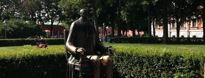 Памятник Петру Первому is one of Питер.