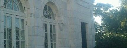 Memphis Brooks Museum of Art is one of Cyberoptix's Stockists!.