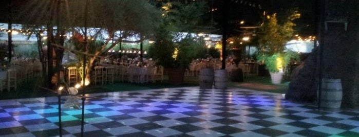 Casona Reina Sur is one of Centros de Eventos/Matrimonios.