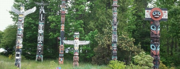 Totem Poles in Stanley Park is one of Canada Favorites.