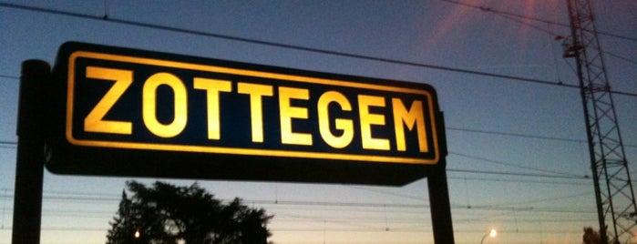 Station Zottegem is one of Bijna alle treinstations in Vlaanderen.
