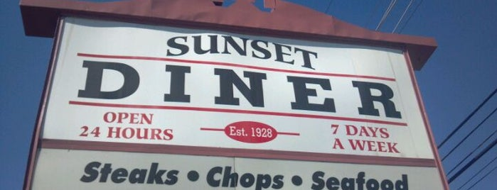 Sunset Diner is one of Diners I want to go.