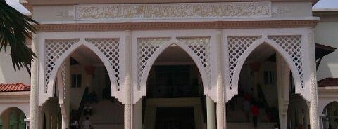 Masjid Tengku Kelana Jaya Petra is one of Baitullah : Masjid & Surau.