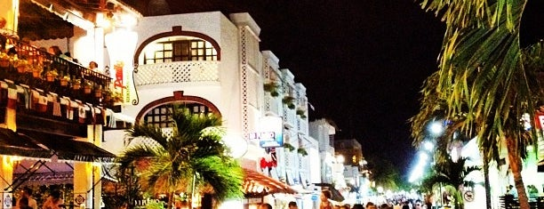 5th Avenue is one of Que hacer: City Express Playa del Carmen.
