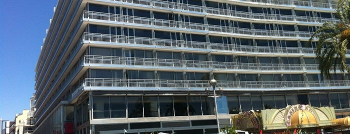 Hotel Mercure Nice Promenade des Anglais is one of Hotels & Casinos.