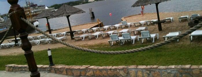 White Beach is one of Resorts))).