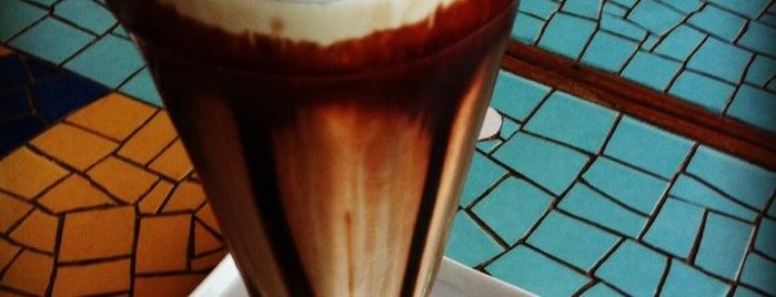 Cafe.com Letras is one of praia bombinhas.