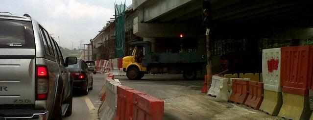 Trafik Light exit PLUS, Rawang is one of Jusco Rawang.