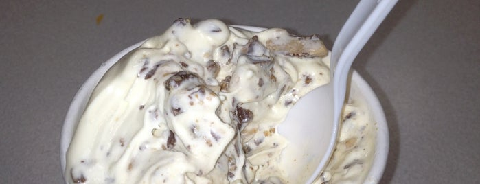 Braum's Ice Cream & Dairy Stores is one of Food.