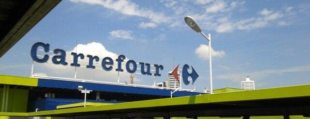 Carrefour is one of Pontos Turisticos Essenciais Goiania.