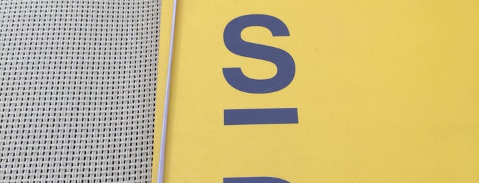 Lsd is one of Restaurantes.