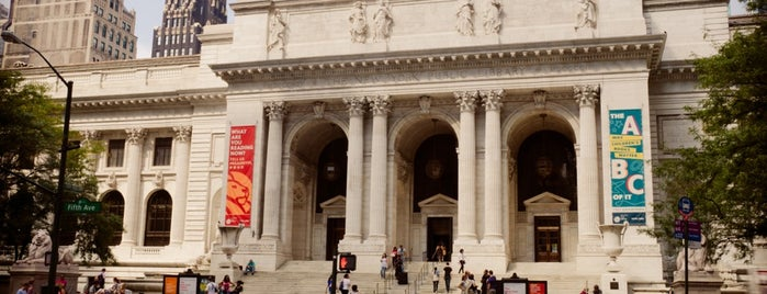 New York Public Library is one of Architecture - Great architectural experiences NYC.