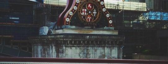 Blackfriars Bridge is one of London.