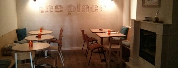 The Place is one of Desayunos y meriendas en Madrid.