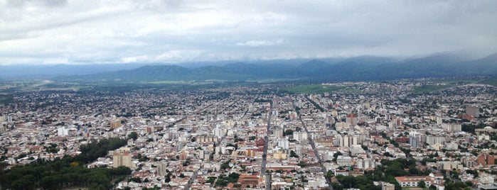 Cerro San Bernardo is one of Paseos.