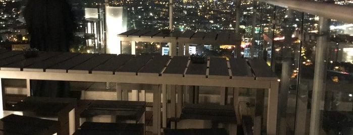Roof Bar, Renaissance Polat Istanbul Hotel is one of Gayrettepe~Balmumcu~Esentepe.