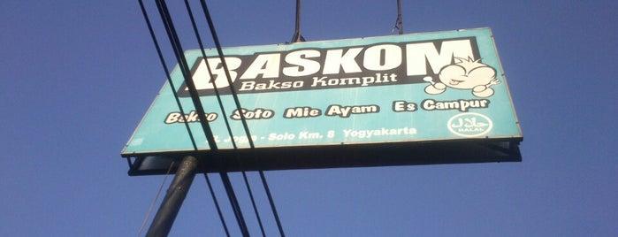 Baskom (Bakso Komplit) is one of Kuliner Jogja.