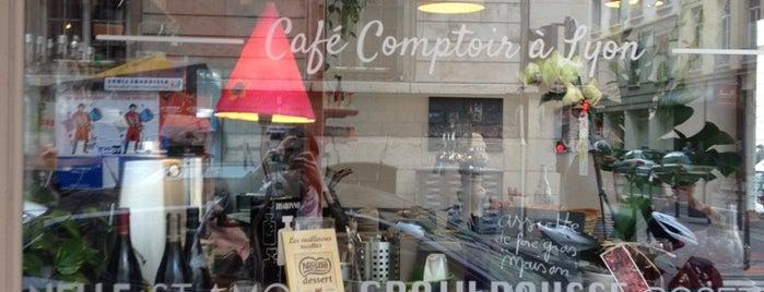Café De La Mairie is one of Favoris.
