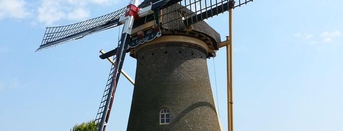 Molen Landzigt is one of Molenroute Hoeksche-Waard.