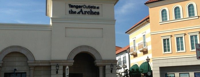 Tanger Outlets Deer Park is one of New York dream.