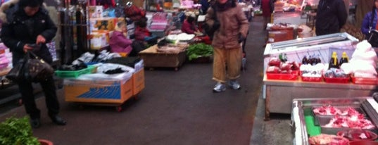 Seogwipo Maeil Olle Market is one of 201404제주여행.